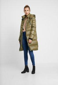 Vero Moda - VMSOPHIA BIKER PANT - Jeansy Skinny Fit - dark blue denim - 1
