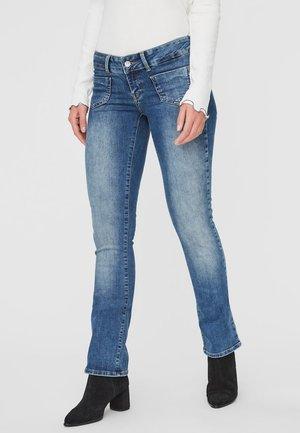 VMDINA - Flared Jeans - medium blue denim