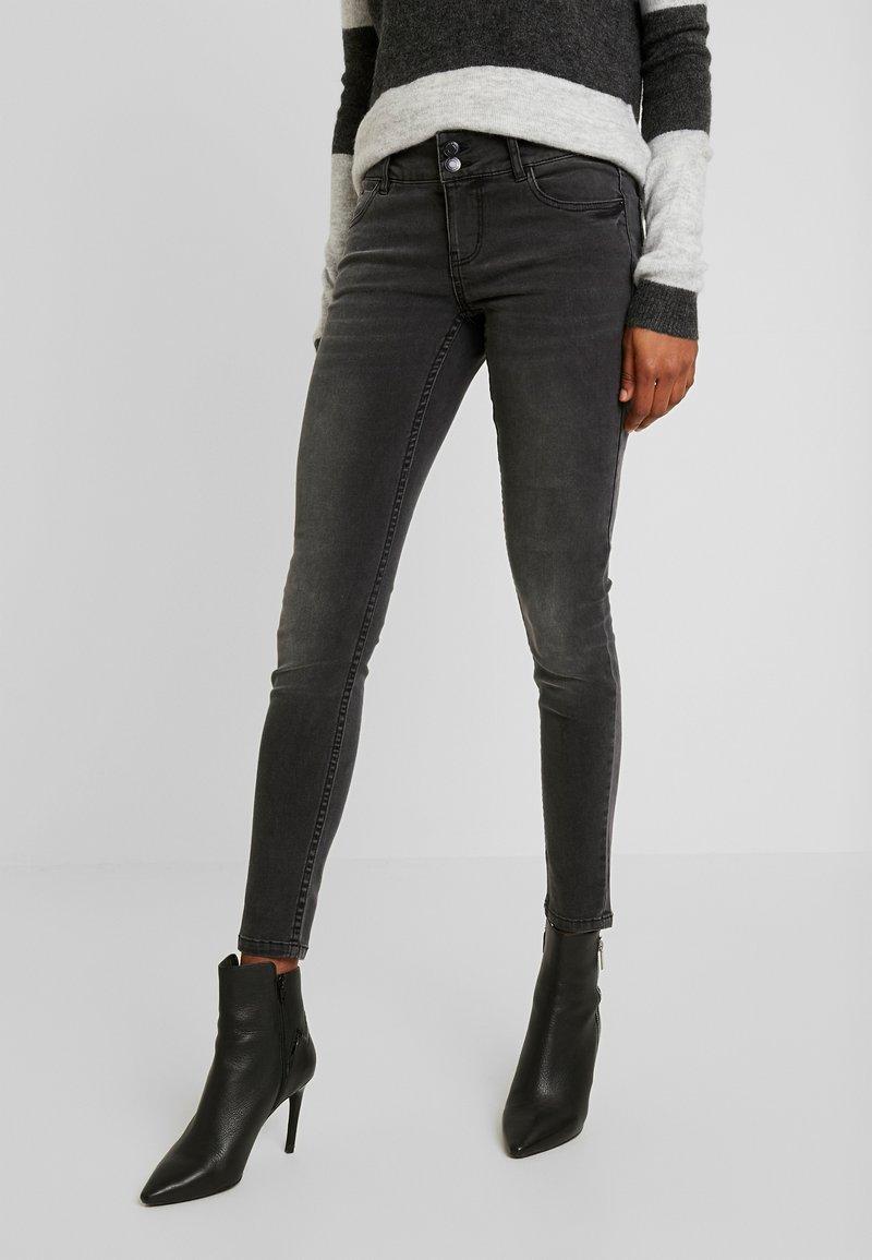 Vero Moda - VMLUCIA - Jeans Skinny Fit - black