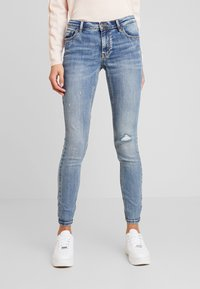 Vero Moda - VMLYDIA - Jeans Skinny Fit - medium blue denim - 0