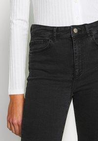 Vero Moda - VMSOPHIA - Jeans Skinny Fit - black - 5