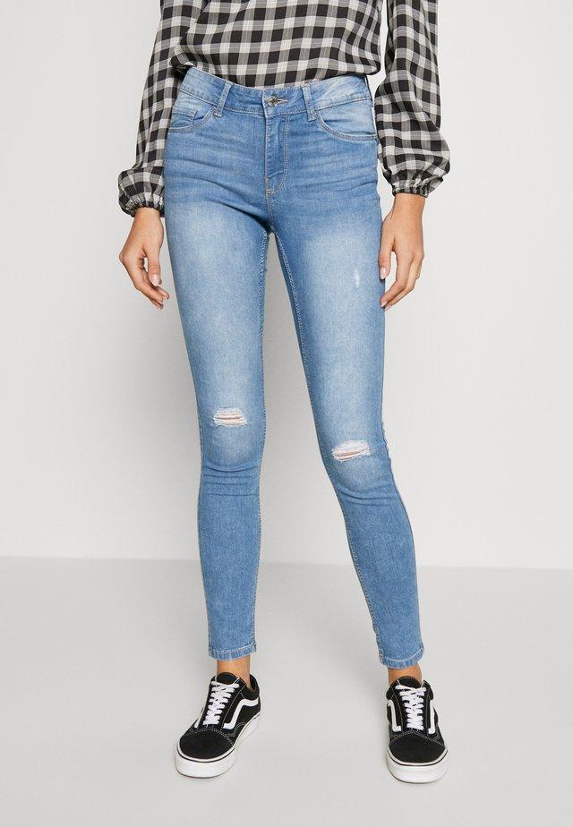VMSEVEN SHAPE UP - Jeans Skinny Fit - light blue denim