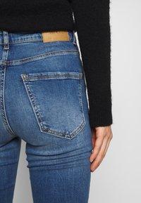 Vero Moda - VMSOPHIA - Jeans Skinny Fit - medium blue denim - 3