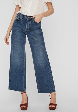 VMALEXA - Flared Jeans - medium blue denim