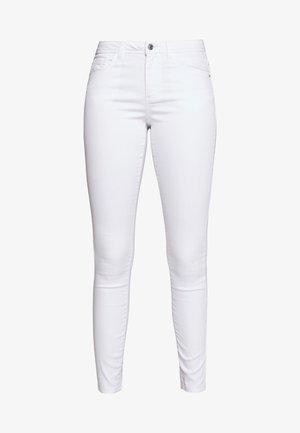 VMTANYA PIPING - Skinny-Farkut - bright white