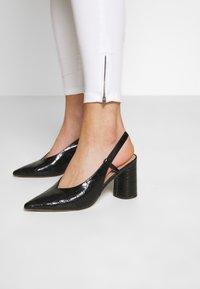 Vero Moda - VMSOPHIA ZIP - Jeans Skinny Fit - bright white - 3