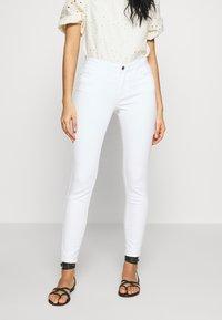 Vero Moda - VMJULIA - Jeans Skinny Fit - bright white - 0