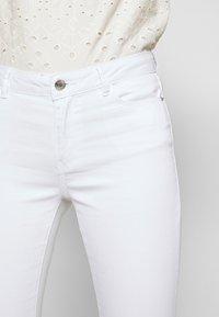 Vero Moda - VMJULIA - Jeans Skinny Fit - bright white - 3