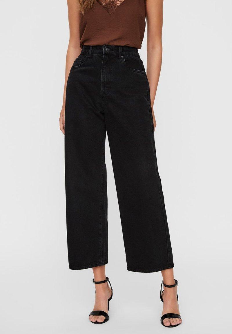 Vero Moda - VMKATHY  - Flared Jeans - black