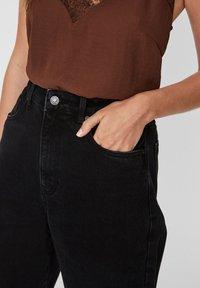 Vero Moda - VMKATHY  - Flared Jeans - black - 3