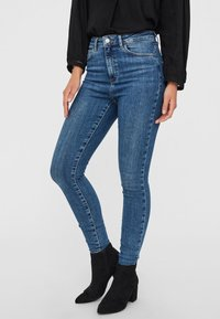 Vero Moda - VMSOPHIA  - Jeans Skinny Fit - medium blue denim - 0