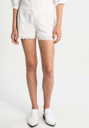 VMHONEY - Shorts - snow white