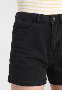 Vero Moda - Jeansshorts - black - 3