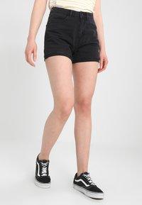 Vero Moda - Jeansshorts - black - 2