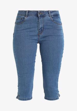 VMHOT SEVEN SLIT KNICKER MIX - Jeans Shorts - medium blue denim