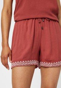 Vero Moda - VMHOUSTON - Shorts - brown - 3