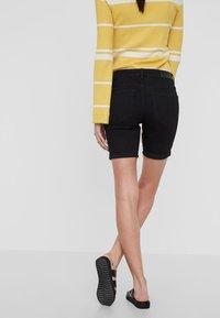 Vero Moda - Szorty jeansowe - black - 2