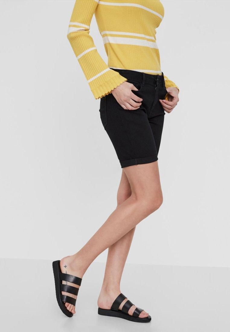 Vero Moda - Szorty jeansowe - black