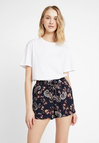 Vero Moda - VMSIMPLY EASY - Shorts - night sky - 0