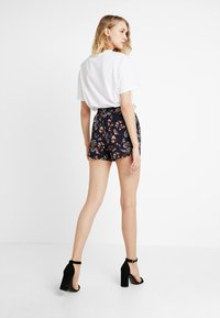 Vero Moda - VMSIMPLY EASY - Shorts - night sky - 2