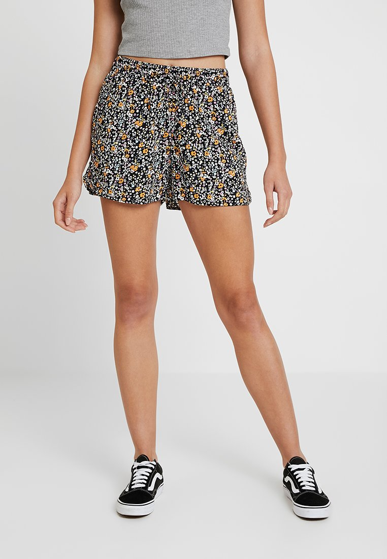 Vero Moda - VMSIMPLY EASY - Shorts - black
