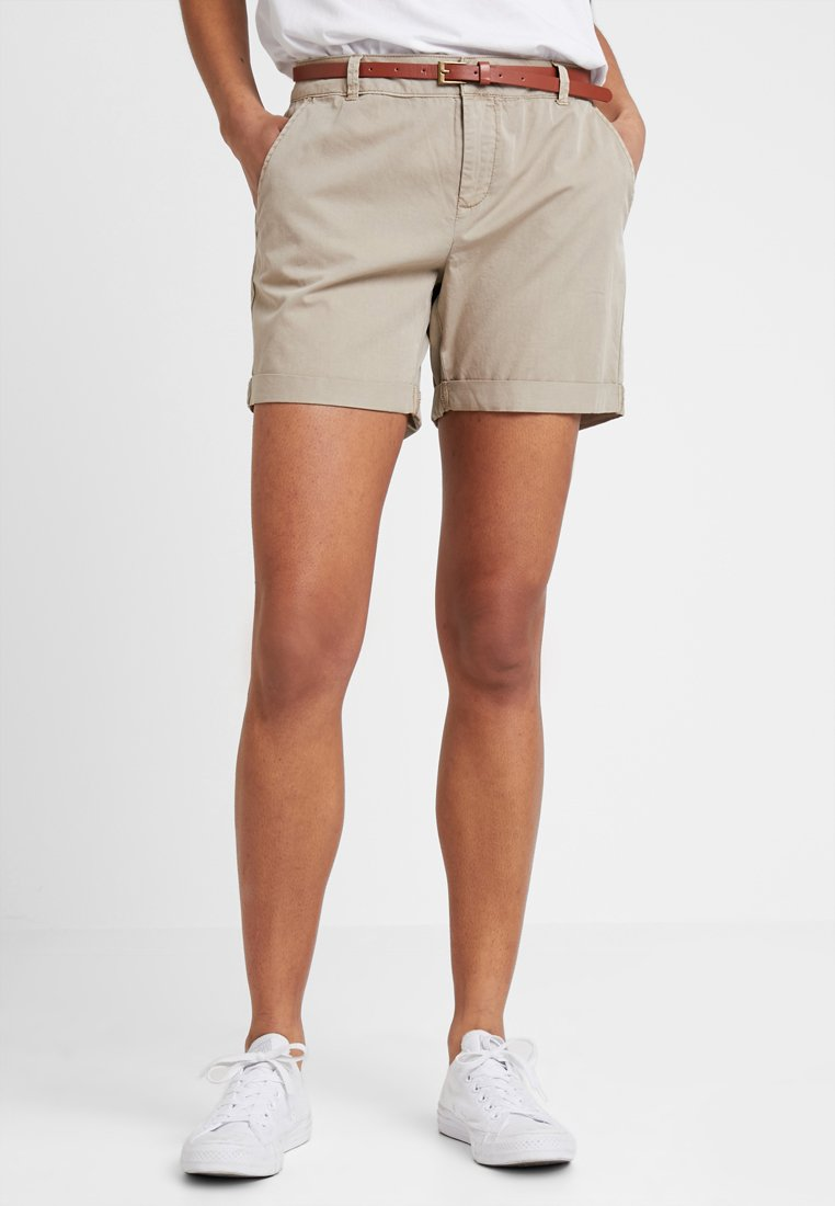 Vero Moda - VMFLASH CHINO - Shorts - light brown