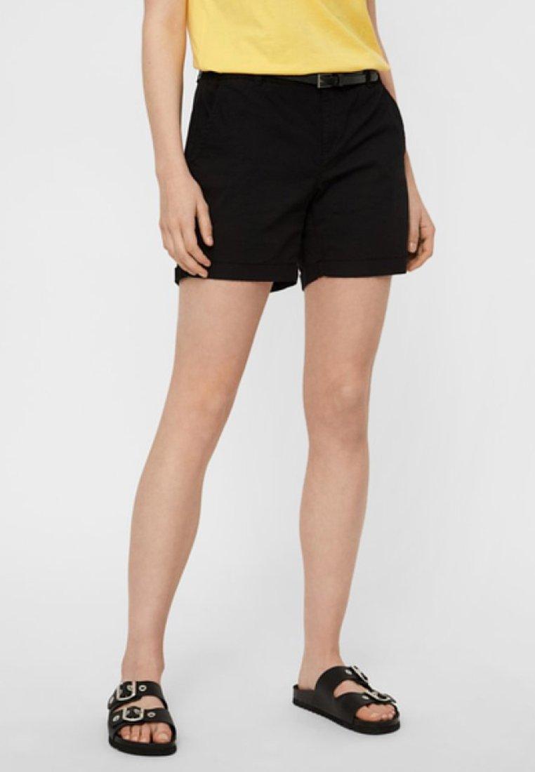 Vero Moda - VMFLASH CHINO - Shorts - black