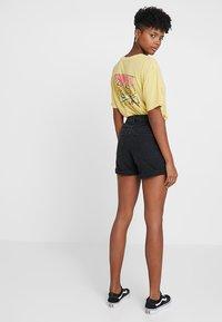 Vero Moda - VMNINETEEN LOOSE MIX NOOS - Denim shorts - black - 2