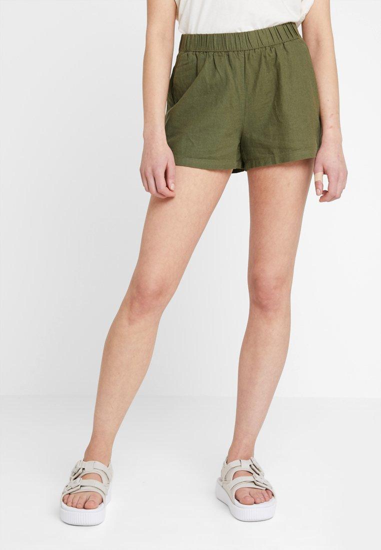 Vero Moda - VMANNA MILO  - Szorty - ivy green