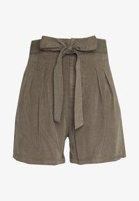 Vero Moda - VMMIA LOOSE SUMMER - Shorts - bungee cord - 3