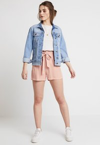 Vero Moda - VMMIA LOOSE SUMMER - Shorts - misty rose - 1