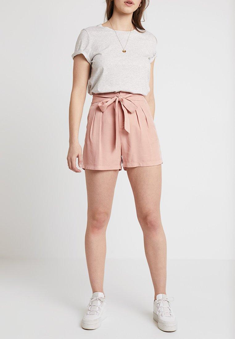 Vero Moda - VMMIA LOOSE SUMMER - Shorts - misty rose