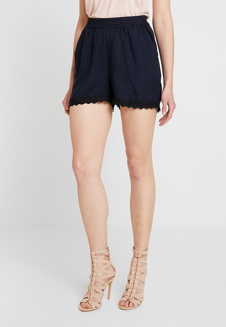 Vero Moda - VMSOPHIA BOX - Shorts - night sky/solid