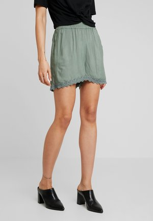 Shorts - laurel wreath