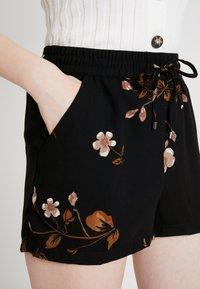 Vero Moda - VMCALLIE - Shorts - black - 5