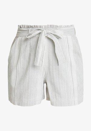VMDICTHE - Shorts - snow white/hilda