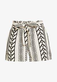 Vero Moda - VMDICTHE - Shorts - birch/black - 4