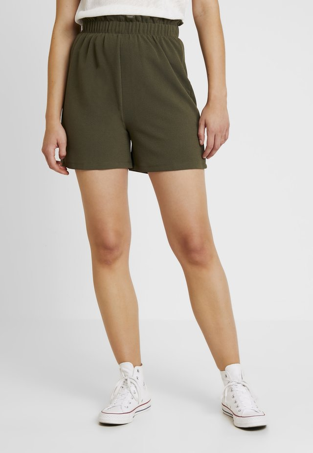 VMCOCO GABRIELLE FRILL - Shorts - ivy green
