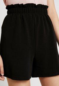 Vero Moda - VMCOCO GABRIELLE FRILL - Shorts - black - 4