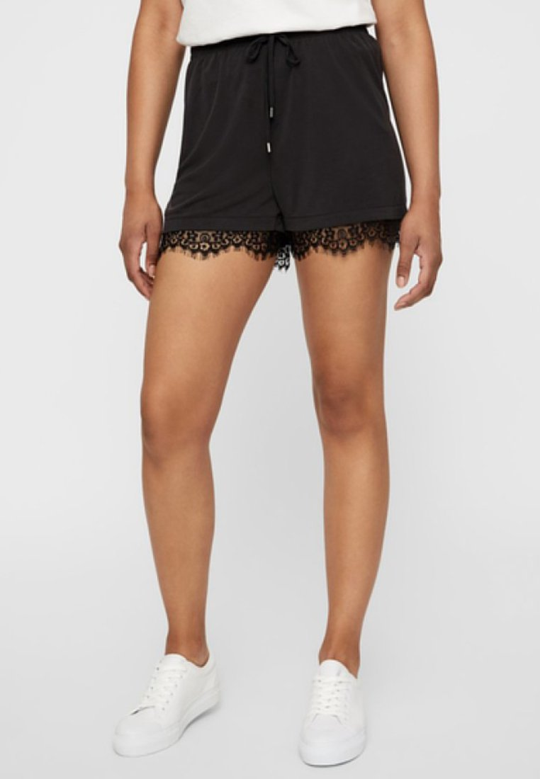 Vero Moda - Shorts - black