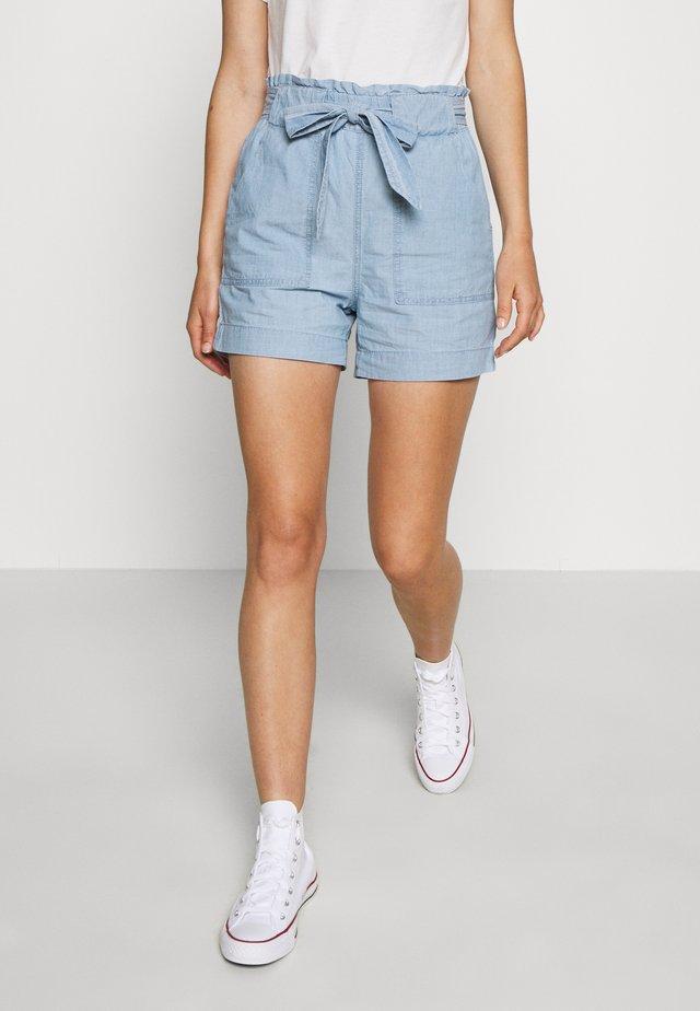 VMEMILY POCKET - Shorts - light blue denim