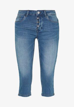 VMSEVEN BUTTON FLY  - Jeansshorts - light blue denim