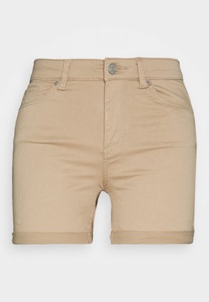 VMHOT SEVEN MR FOLD SHORTS COLOR - Denim shorts - beige