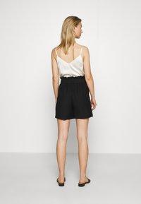 Vero Moda - VMPAIGE  - Shorts - black - 2