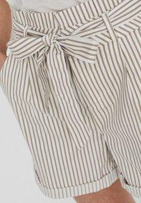 Vero Moda - PAPERBAG - Shorts - beige - 3