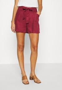 Vero Moda - VMTEAGAN LOOSE PAPERBAG - Shorts - tibetan red - 0