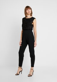 Vero Moda - VMMULLE O NECK - Jumpsuit - black - 1