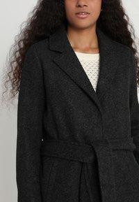 Vero Moda - VMNINA BRUSHED - Zimní kabát - dark grey melange - 4