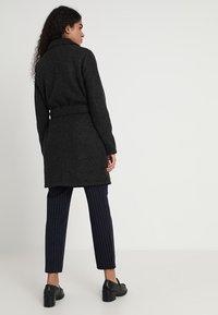 Vero Moda - VMNINA BRUSHED - Zimní kabát - dark grey melange - 2