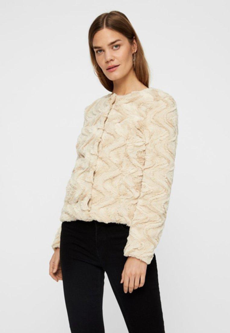 Vero Moda - VMCURL - Winter jacket - beige